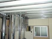 内装・下地・配管類の解体、作り直しの作業